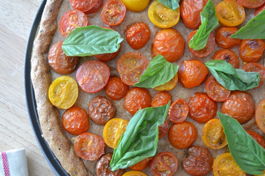 Beautifully Simple Heirloom Tomato Pizza