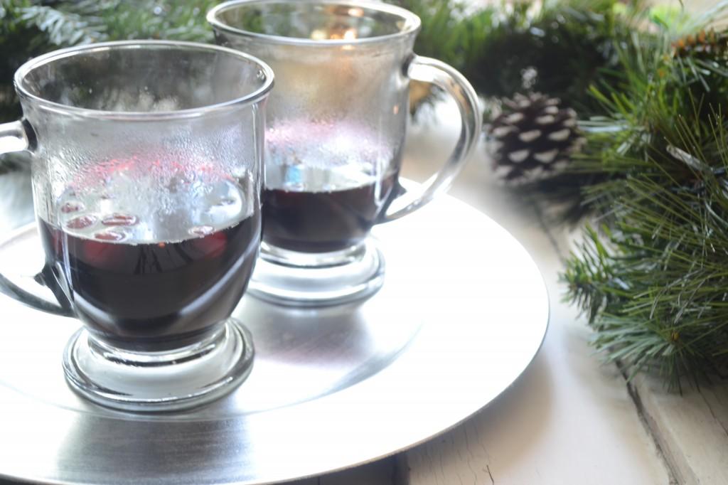 Warm Winter Berry Sangria - Sarcastic Cooking