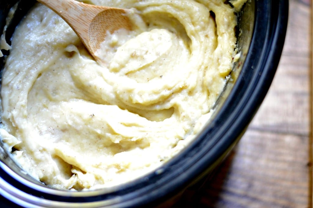 Slow Cooker Brown Butter and Garlic Mashed Potatoes