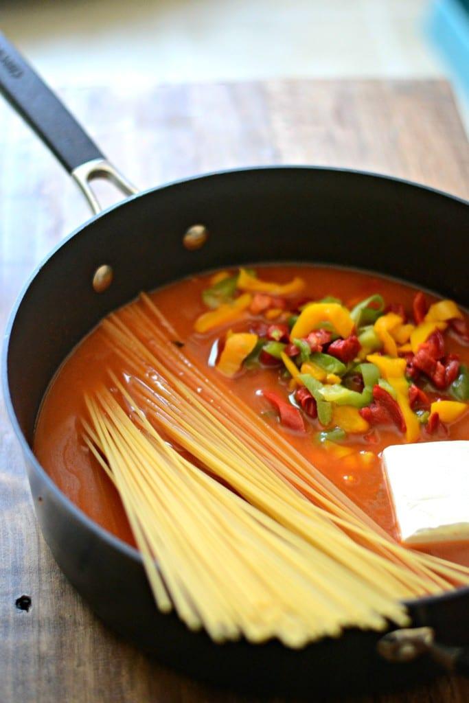 One Pot Creamy Vegetable Enchilada Pasta   Sarcastic Cooking