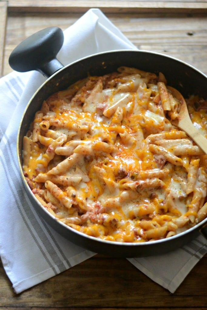 Chili Cheese Dip One Pot Pasta | Sarcastic Cooking