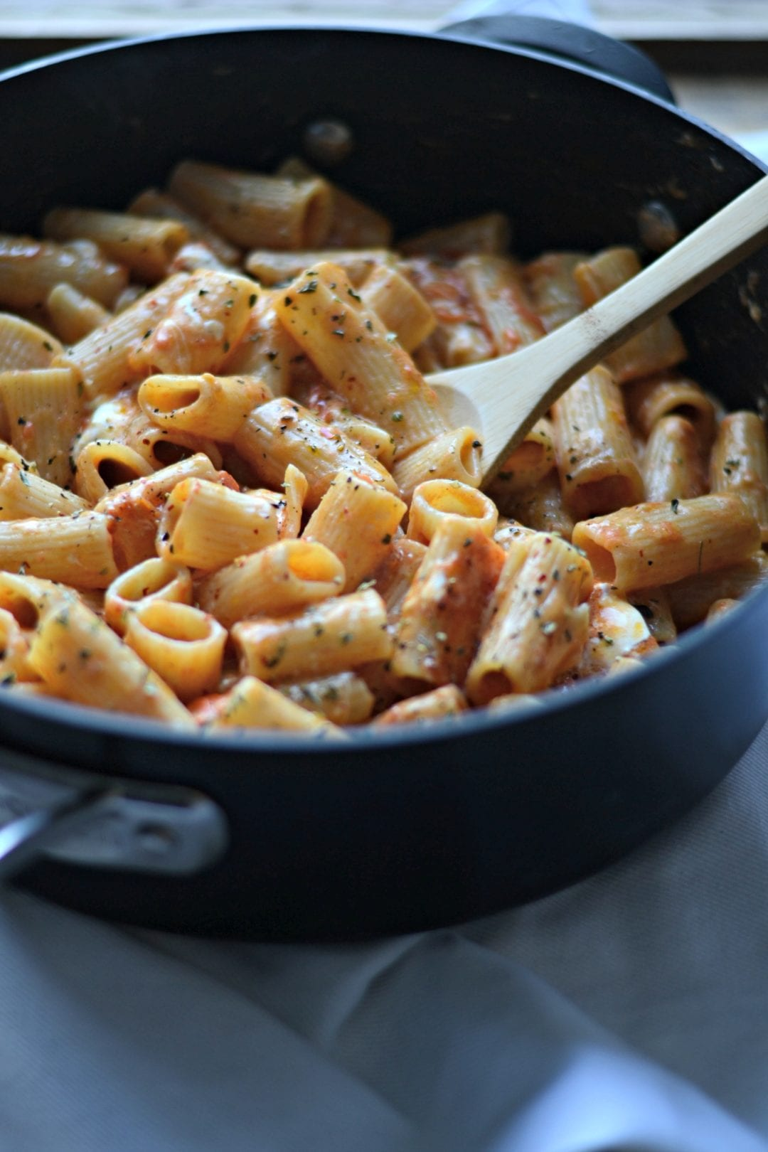 One Pot Garlic Tomato Butter Rigatoni with Burrata