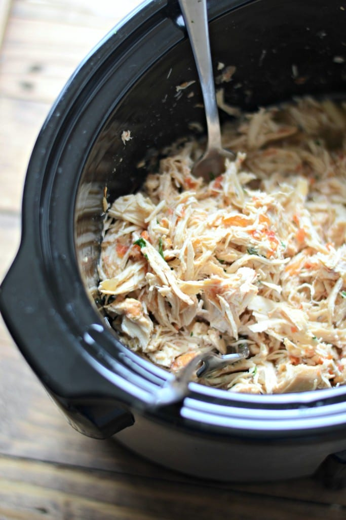 Four Ingredient Crockpot Pico de Gallo Chicken | Sarcastic Cooking (perfect for taco night)