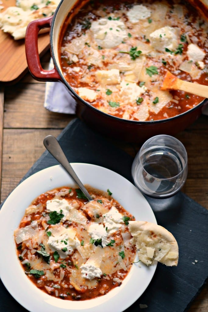 One Pot Mushroom and Spinach Lasagna Soup \ Sarcastic Cooking