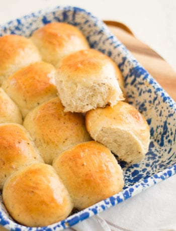 Cracked Black Pepper Dinner Rolls | Sarcastic Cooking #bread #dinnerrolls