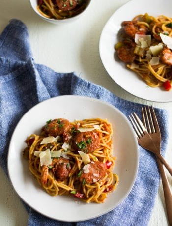 Cajun Spaghetti - spaghetti with sausage and shrimp - Sarcastic Cooking #30minutemeal #easydinner #recipe