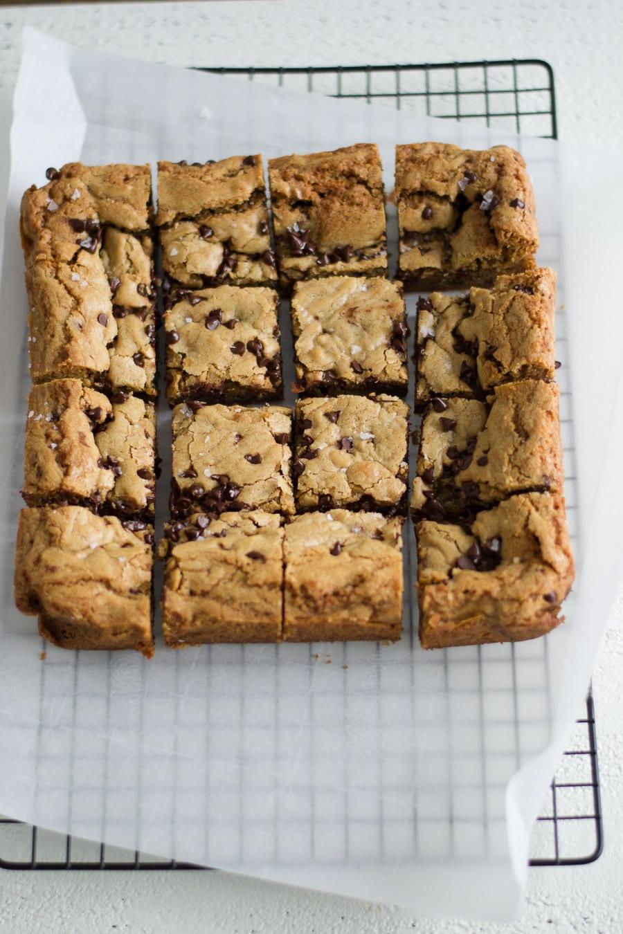 Chocolate Chip Cookie Bars | Sarcastic Cooking #chocolatechip #cookiebars