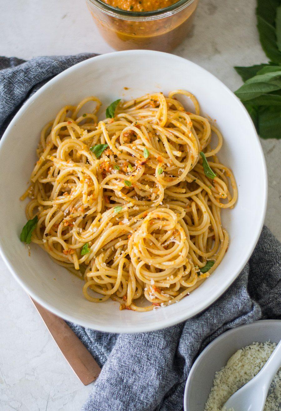 Spaghetti con Pesto alla Trapanese | Sarcastic Cooking